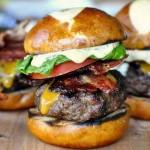 כמה צריך לעלות המבורגר במסעדה?